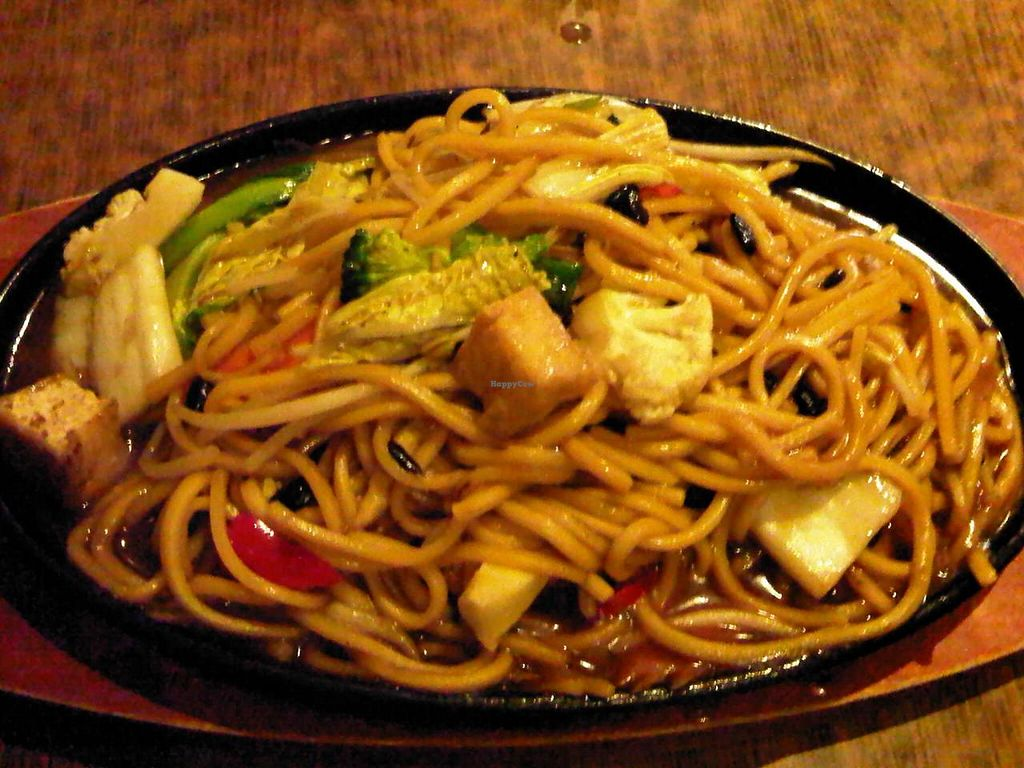 """Photo of Zenhouse Vegetarian Yum Cha   by <a href=""""/members/profile/kalli"""">kalli</a> <br/>zenhouse sizzling hot plate noodle with extra noodles <br/> September 18, 2014  - <a href='/contact/abuse/image/9275/80293'>Report</a>"""