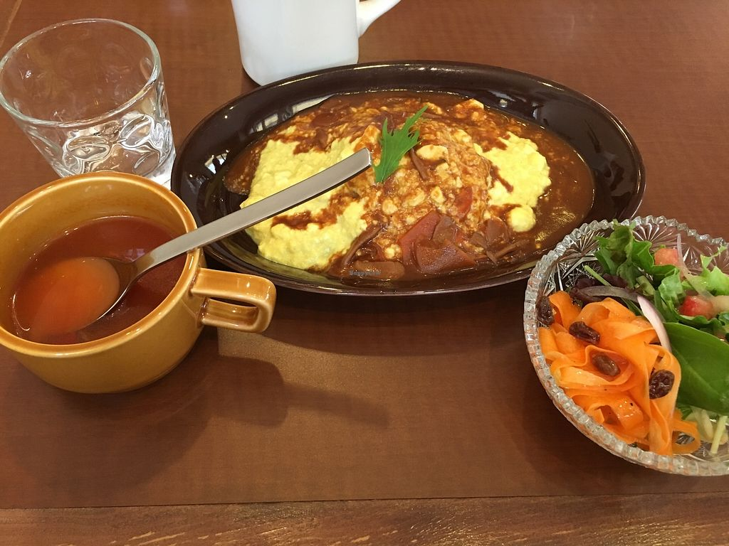 """Photo of Thallo  by <a href=""""/members/profile/digitalmimi"""">digitalmimi</a> <br/>Omelette rice, soup and salad <br/> June 25, 2017  - <a href='/contact/abuse/image/92848/273212'>Report</a>"""