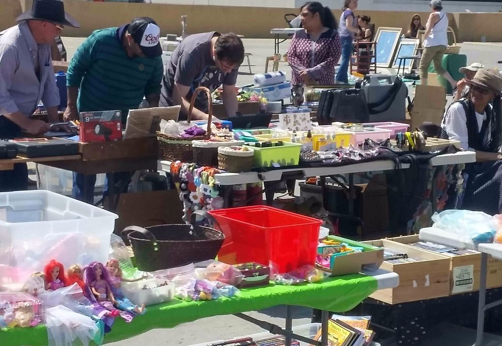 """Photo of My Treasure Sale at Northland Village  by <a href=""""/members/profile/MyTreasureSale"""">MyTreasureSale</a> <br/>Family friendly weekly market - you can sell anything you like too! <br/> May 29, 2017  - <a href='/contact/abuse/image/92865/263673'>Report</a>"""
