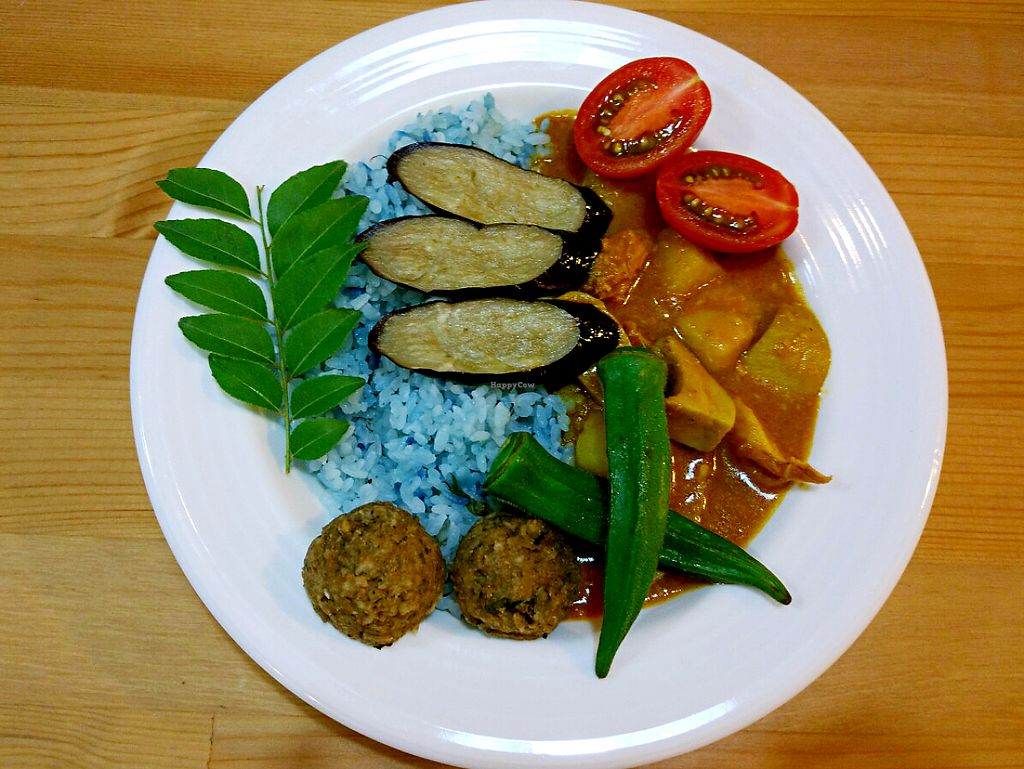 "Photo of Farmer's Kitchen  by <a href=""/members/profile/NicoKohYingEn"">NicoKohYingEn</a> <br/>Authentic curry with blue pea flower rice <br/> May 30, 2017  - <a href='/contact/abuse/image/92978/264061'>Report</a>"