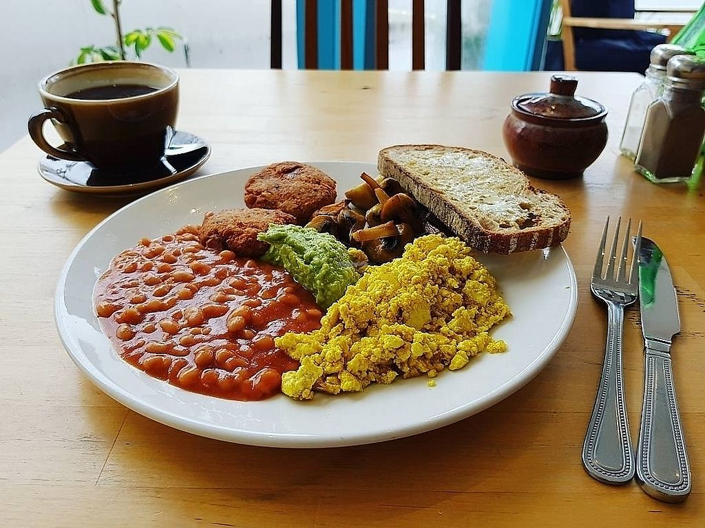 "Photo of DANA  by <a href=""/members/profile/Wee_Vegan"">Wee_Vegan</a> <br/>Vegan Breakfast (without hash browns) <br/> July 20, 2017  - <a href='/contact/abuse/image/92995/282494'>Report</a>"