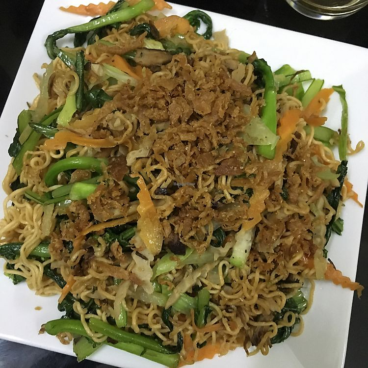 "Photo of Nha Hang Com Chay  by <a href=""/members/profile/AggieVeggie"">AggieVeggie</a> <br/>stir fried noodles with vegetables (40'000 VND) <br/> February 21, 2018  - <a href='/contact/abuse/image/93018/362061'>Report</a>"