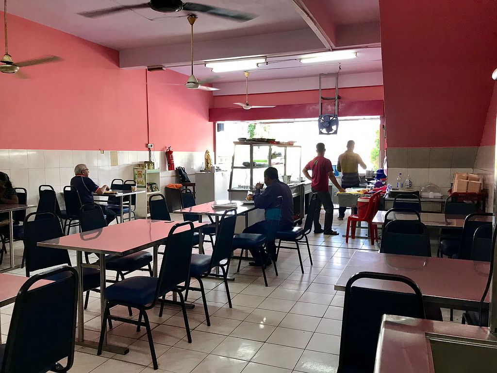 """Photo of Nuri Indah Curry House  by <a href=""""/members/profile/Ratnasingam"""">Ratnasingam</a> <br/>New restaurant look <br/> October 24, 2017  - <a href='/contact/abuse/image/93087/318260'>Report</a>"""