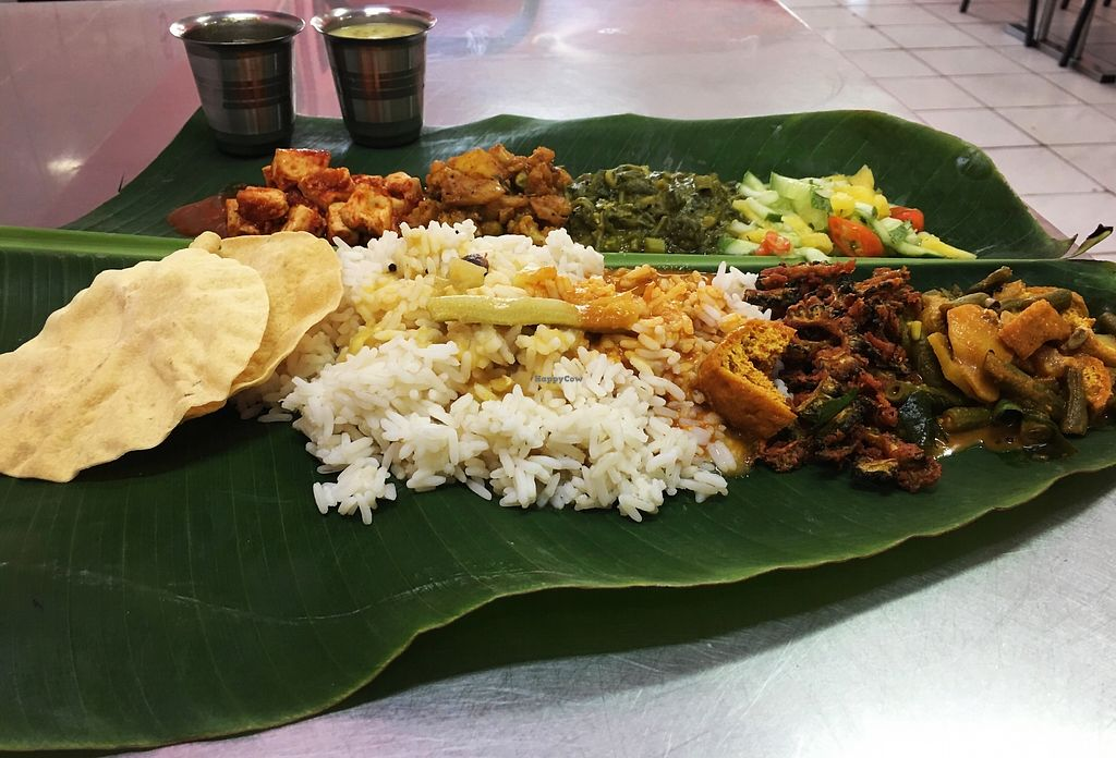 """Photo of Nuri Indah Curry House  by <a href=""""/members/profile/ShaliniiRuba"""">ShaliniiRuba</a> <br/>banana leaf,comes with free vegan payasam on fridays <br/> March 28, 2018  - <a href='/contact/abuse/image/93087/377036'>Report</a>"""