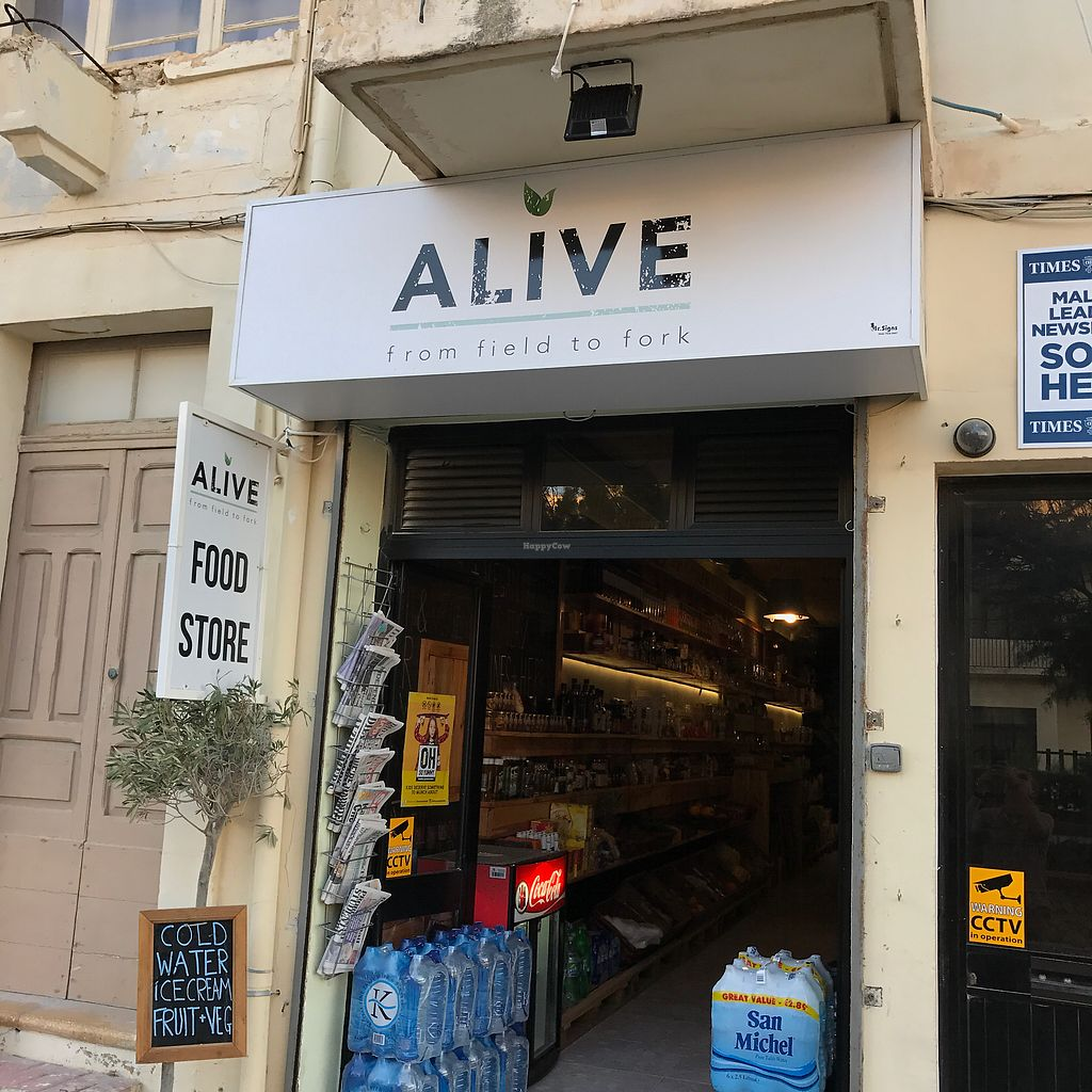 """Photo of Alive from Field to Fork  by <a href=""""/members/profile/earthville"""">earthville</a> <br/>storefront <br/> July 18, 2017  - <a href='/contact/abuse/image/93099/281893'>Report</a>"""