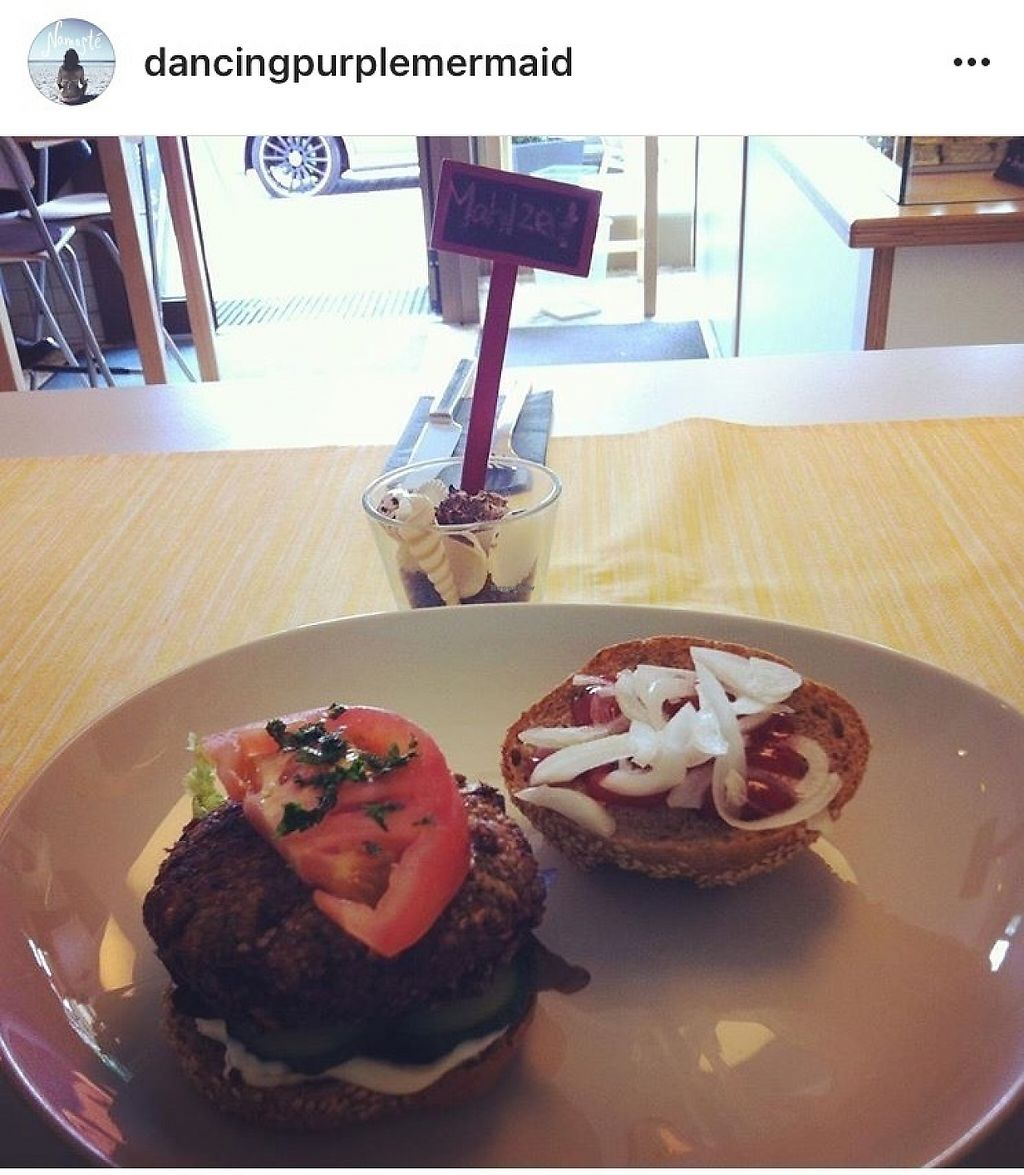 """Photo of Vollwertbox  by <a href=""""/members/profile/Dancingpurplemermaid"""">Dancingpurplemermaid</a> <br/>Vegan Burger time! <br/> May 31, 2017  - <a href='/contact/abuse/image/93166/264536'>Report</a>"""