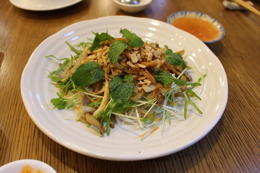 """Photo of Metta Vegan  by <a href=""""/members/profile/ericacrombie"""">ericacrombie</a> <br/>Salad (i think they just called it the vegan salad but I can't remember)  <br/> September 28, 2017  - <a href='/contact/abuse/image/93384/309262'>Report</a>"""