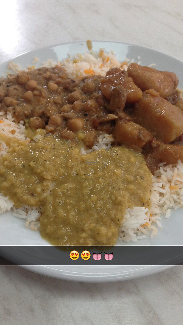 """Photo of Little Aladdin  by <a href=""""/members/profile/proudapples"""">proudapples</a> <br/>3 curries and rice for £5  <br/> August 25, 2017  - <a href='/contact/abuse/image/93477/297151'>Report</a>"""