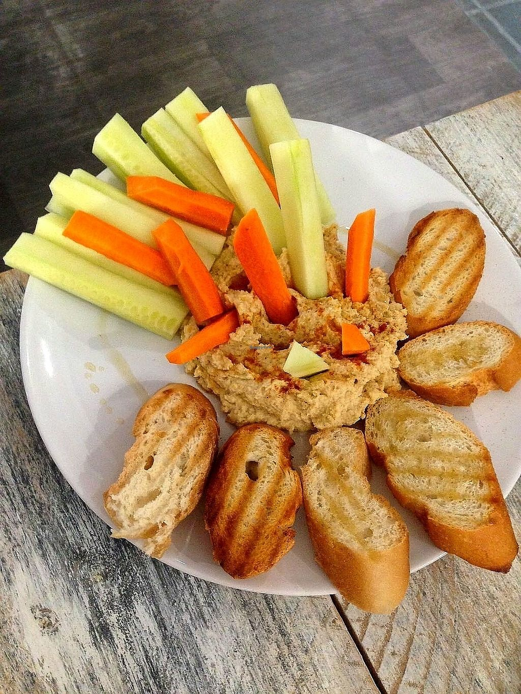 """Photo of Vegan Ibiza  by <a href=""""/members/profile/wyrd"""">wyrd</a> <br/>Hummus with bread and vegetables <br/> August 24, 2017  - <a href='/contact/abuse/image/93478/296837'>Report</a>"""