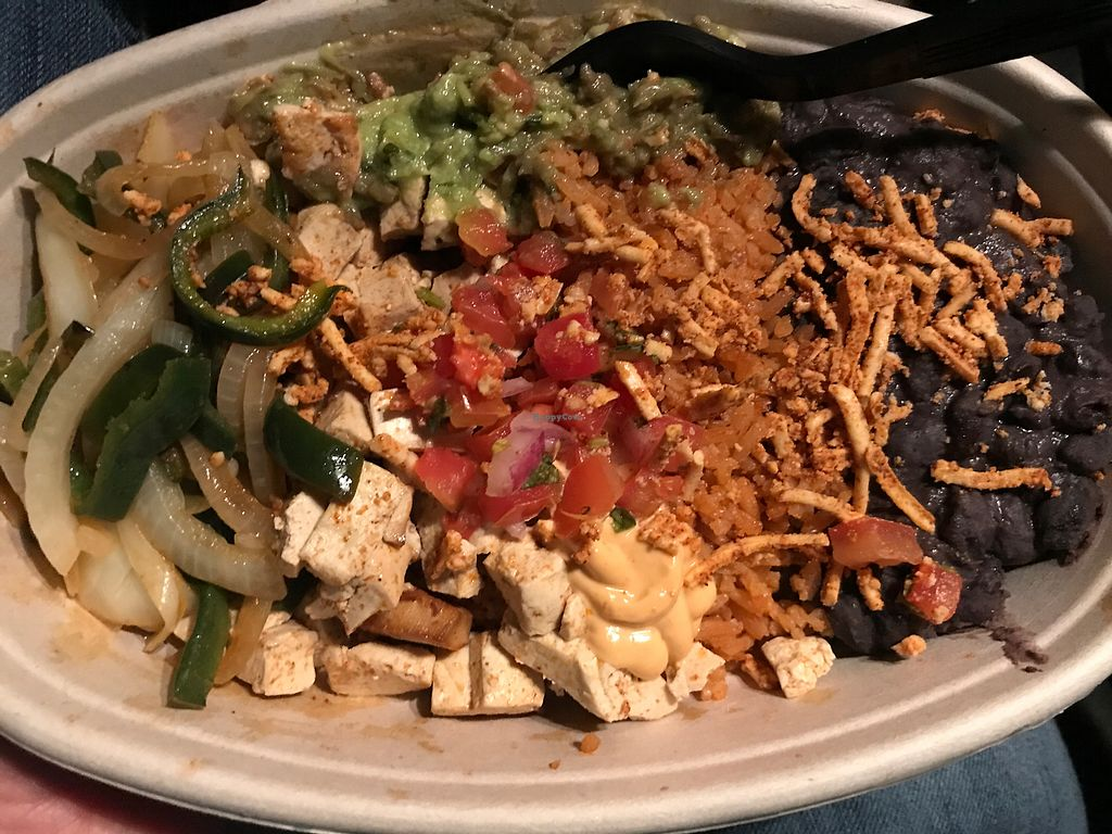 "Photo of CLOSED: Tocaya Organica  by <a href=""/members/profile/Ultraviolet"">Ultraviolet</a> <br/>Fajita Burrito Bowl with Tofu & Vegan Cheese <br/> December 17, 2017  - <a href='/contact/abuse/image/93543/336339'>Report</a>"