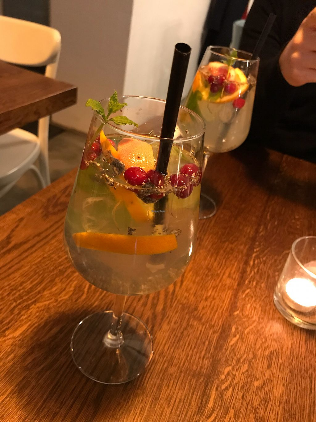 "Photo of Leonardo Verde  by <a href=""/members/profile/ellengdx"">ellengdx</a> <br/>Large selection of different types of drinks and cocktails. This was a lovely chia fresca <br/> January 8, 2018  - <a href='/contact/abuse/image/93573/344445'>Report</a>"