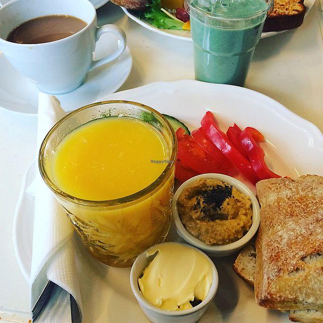 "Photo of Bon Temps Cafe  by <a href=""/members/profile/Veg_Anu"">Veg_Anu</a> <br/>Vegan breakfast <br/> June 8, 2017  - <a href='/contact/abuse/image/93619/266869'>Report</a>"