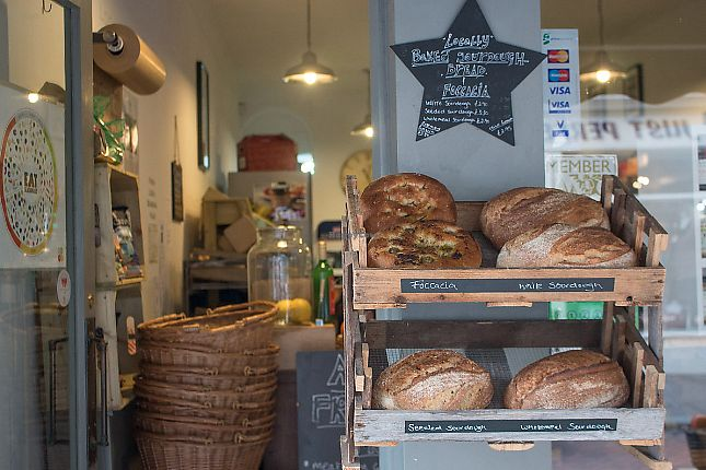 "Photo of Austens of Rochester  by <a href=""/members/profile/TARAMCDONALD"">TARAMCDONALD</a> <br/>Fresh locally produced artisan breads <br/> June 8, 2017  - <a href='/contact/abuse/image/93652/266898'>Report</a>"
