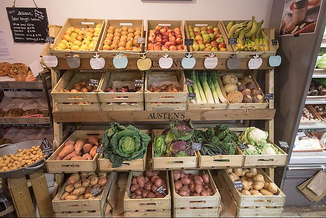 "Photo of Austens of Rochester  by <a href=""/members/profile/TARAMCDONALD"">TARAMCDONALD</a> <br/>Seasonal veg, grown in surrounding farms.  Farm shop fresh.  Organic <br/> June 8, 2017  - <a href='/contact/abuse/image/93652/266900'>Report</a>"