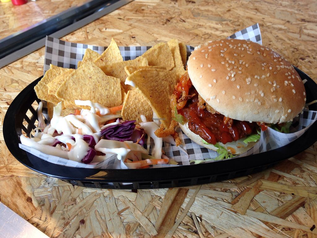 """Photo of Grumpy Panda  by <a href=""""/members/profile/FionaWallace"""">FionaWallace</a> <br/>Oklahoma burger and slaw <br/> September 23, 2017  - <a href='/contact/abuse/image/93843/307412'>Report</a>"""