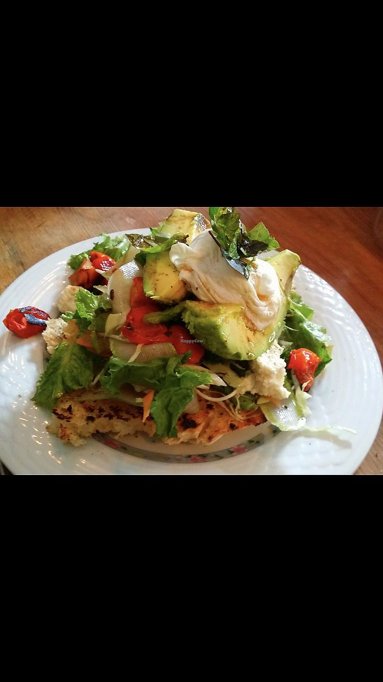 """Photo of The Juicery Cafe  by <a href=""""/members/profile/BeatriceTataTse"""">BeatriceTataTse</a> <br/>Amazing avo salad  <br/> February 7, 2018  - <a href='/contact/abuse/image/93853/355982'>Report</a>"""