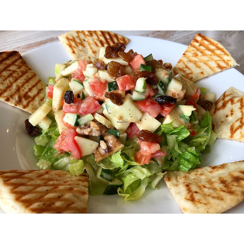 """Photo of Simply Green Cafe  by <a href=""""/members/profile/LexaCastro"""">LexaCastro</a> <br/>Sweet Green Salad <br/> December 3, 2017  - <a href='/contact/abuse/image/93872/332001'>Report</a>"""