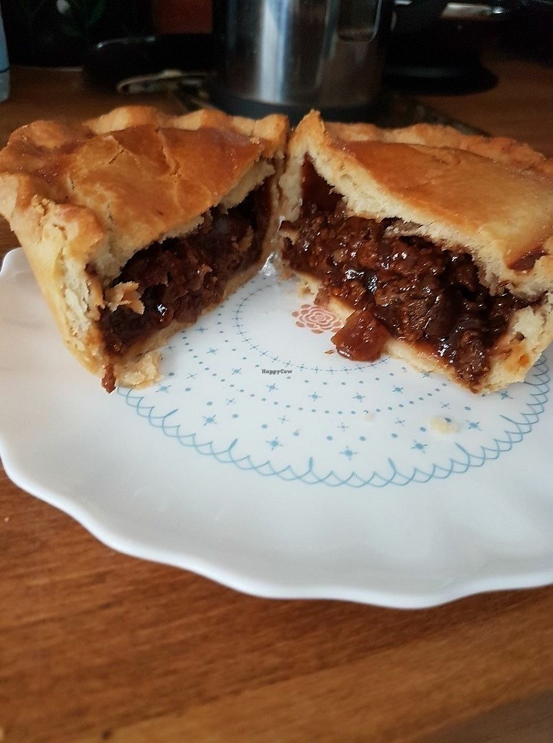 """Photo of Hot Pantry Bakery  by <a href=""""/members/profile/PaulStevenEvans"""">PaulStevenEvans</a> <br/>Vegan soya mince and onion pie  <br/> June 18, 2017  - <a href='/contact/abuse/image/93914/270466'>Report</a>"""