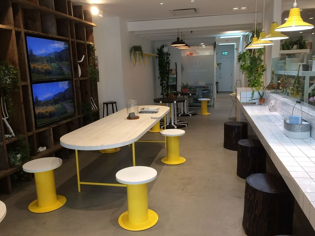 "Photo of The Juicery Co  by <a href=""/members/profile/Mdrutz"">Mdrutz</a> <br/>Lots of seating <br/> October 2, 2017  - <a href='/contact/abuse/image/93982/311080'>Report</a>"