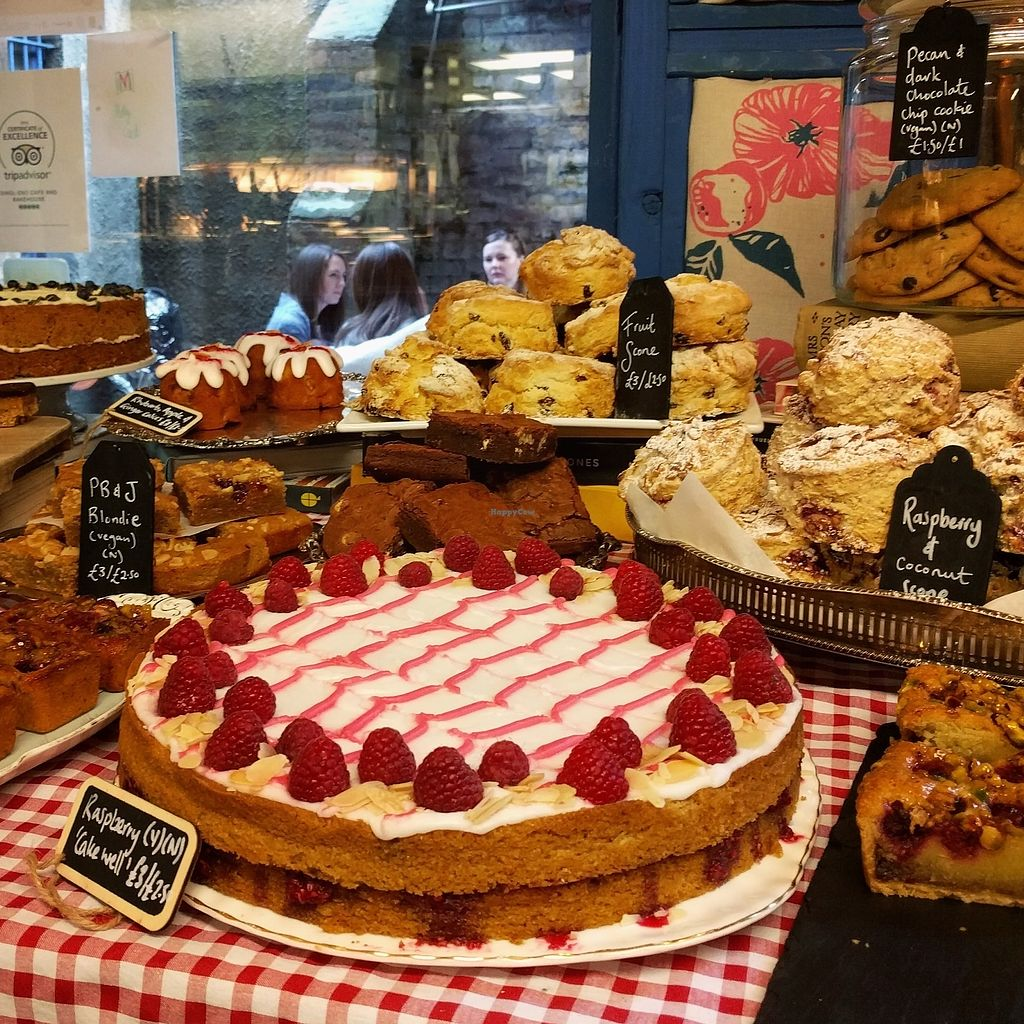 "Photo of Singl-end Cafe & Bakehouse  by <a href=""/members/profile/makemenervous"">makemenervous</a> <br/>Baked Goods Table <br/> June 26, 2017  - <a href='/contact/abuse/image/94074/273702'>Report</a>"
