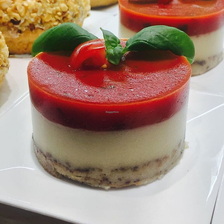 "Photo of Can Vegetable  by <a href=""/members/profile/Giovannisono"">Giovannisono</a> <br/>Cheesecake alla fragola <br/> June 18, 2017  - <a href='/contact/abuse/image/94095/270584'>Report</a>"