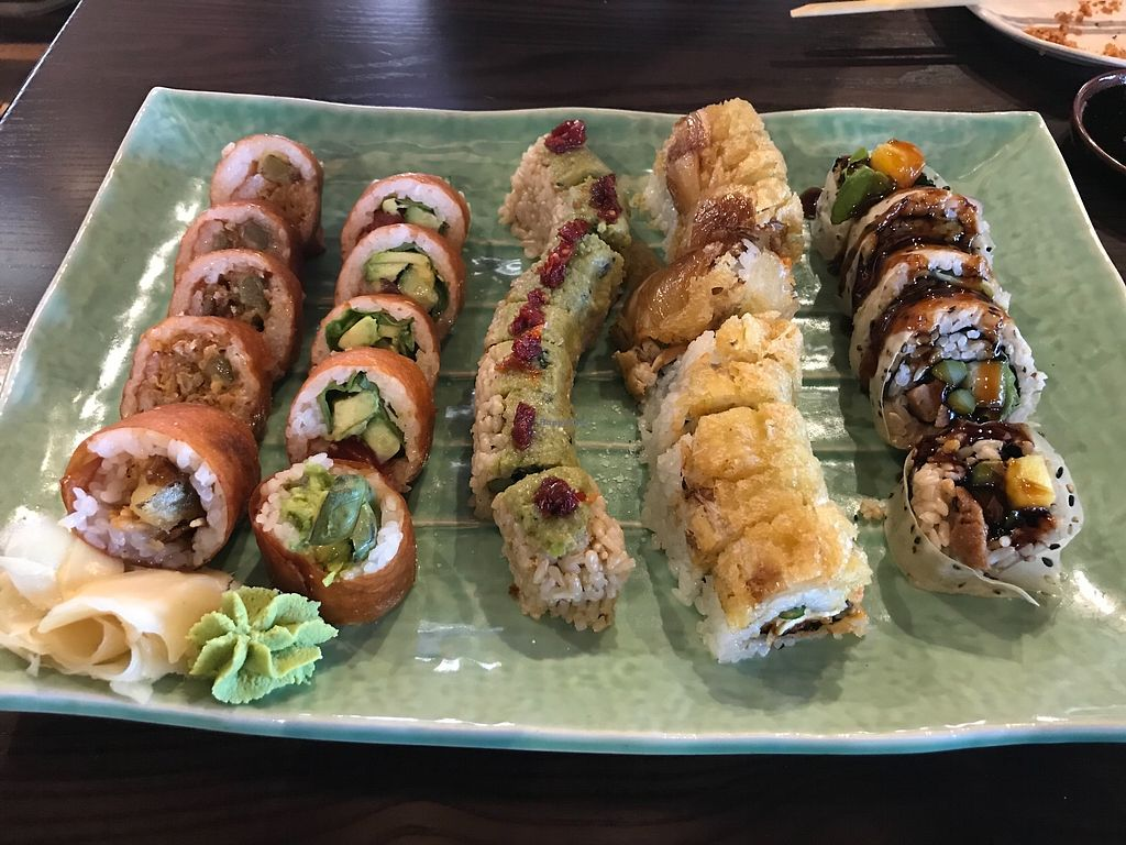 "Photo of Blue Sushi Sake Grill  by <a href=""/members/profile/Notaskinnyvegan"">Notaskinnyvegan</a> <br/>Vegan rolls!!!!  <br/> March 11, 2018  - <a href='/contact/abuse/image/94146/369508'>Report</a>"