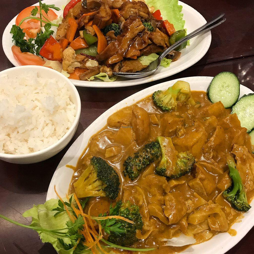 "Photo of Vegie Kitchen  by <a href=""/members/profile/DitaCarlita"">DitaCarlita</a> <br/>Kung Pow Duck and Curry Chicken <br/> September 23, 2017  - <a href='/contact/abuse/image/94258/307624'>Report</a>"