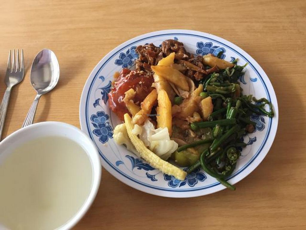 """Photo of Zhun San Yen Vegetarian  by <a href=""""/members/profile/tardis3"""">tardis3</a> <br/>mixed meal and clear soup <br/> October 29, 2014  - <a href='/contact/abuse/image/9428/84198'>Report</a>"""