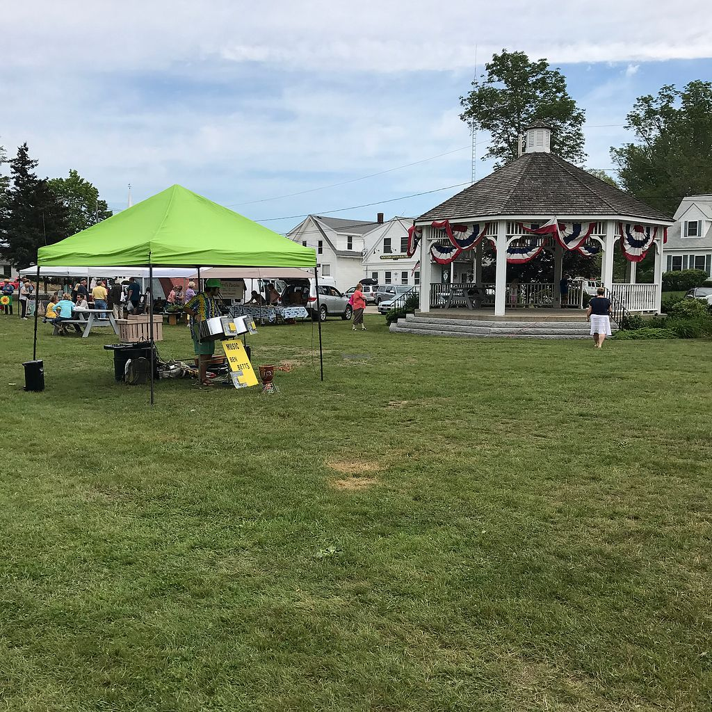 """Photo of Thursday Farmers Market  by <a href=""""/members/profile/Sarah%20P"""">Sarah P</a> <br/>pavilion  <br/> June 29, 2017  - <a href='/contact/abuse/image/94314/274915'>Report</a>"""