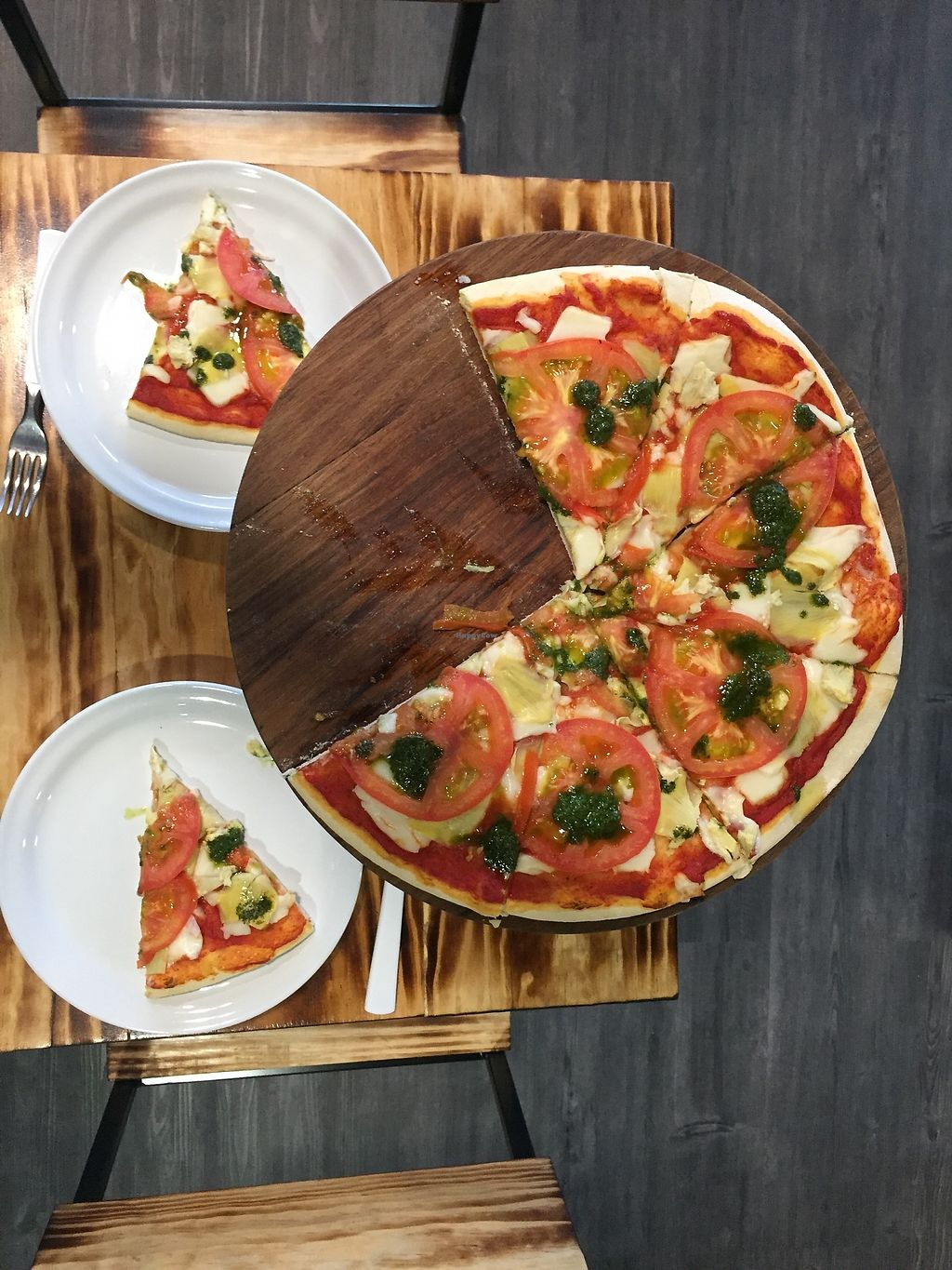 "Photo of Diez Barra Diez  by <a href=""/members/profile/kriziasc"">kriziasc</a> <br/>Best vegan pizza ever! <br/> June 27, 2017  - <a href='/contact/abuse/image/94335/273842'>Report</a>"