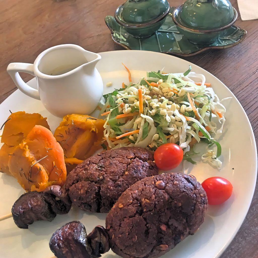 """Photo of Zula Vegetarian Paradise  by <a href=""""/members/profile/SoniaGivray"""">SoniaGivray</a> <br/>Kebab de Seitan estilo Morroco! <br/> November 27, 2016  - <a href='/contact/abuse/image/9439/194977'>Report</a>"""