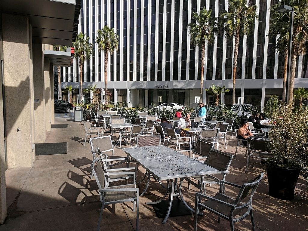 """Photo of zpizza Tap Room  by <a href=""""/members/profile/zenmaestro"""">zenmaestro</a> <br/>outdoor seating area <br/> January 5, 2018  - <a href='/contact/abuse/image/94487/343355'>Report</a>"""