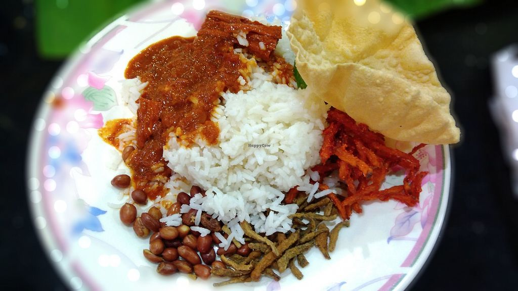 """Photo of Chat Masala  by <a href=""""/members/profile/ChoyYuen"""">ChoyYuen</a> <br/>Nasi lemak costs RM3.50 only <br/> April 17, 2018  - <a href='/contact/abuse/image/9449/387191'>Report</a>"""