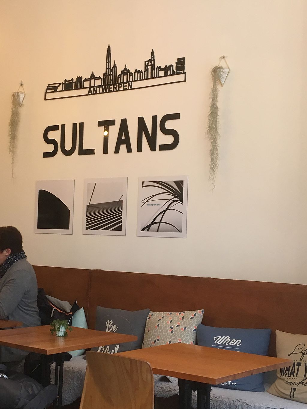 """Photo of Sultans  by <a href=""""/members/profile/rise72"""">rise72</a> <br/>Zeer vriendelijke bediening <br/> March 11, 2018  - <a href='/contact/abuse/image/94520/369403'>Report</a>"""