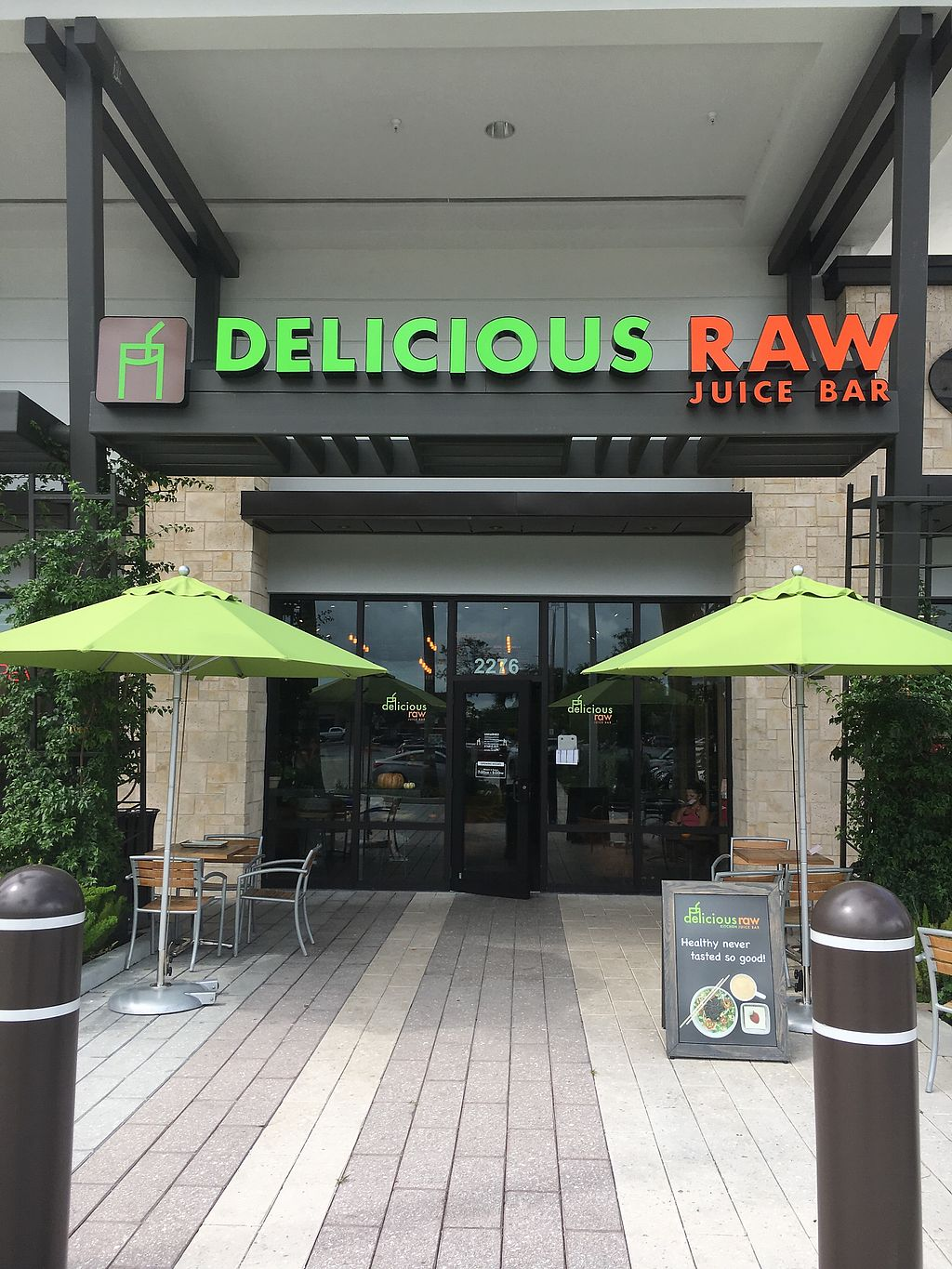 "Photo of Delicious Raw  by <a href=""/members/profile/daroff"">daroff</a> <br/>Storefront  <br/> October 24, 2017  - <a href='/contact/abuse/image/94781/318436'>Report</a>"