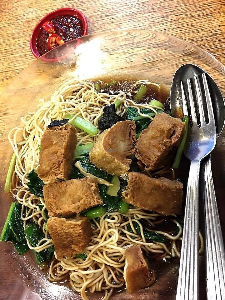 """Photo of Harmony Kopitiam  by <a href=""""/members/profile/JimmySeah"""">JimmySeah</a> <br/>crispy noodles with gravy  <br/> June 26, 2017  - <a href='/contact/abuse/image/94815/273577'>Report</a>"""