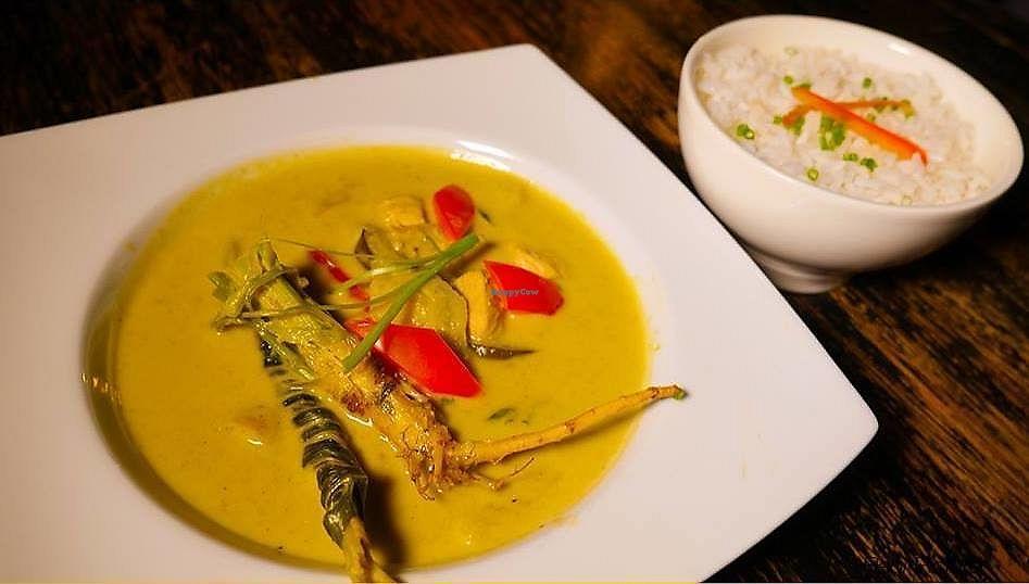 "Photo of Indigo Bar Restaurant  by <a href=""/members/profile/JorgeYabar"">JorgeYabar</a> <br/>green curry !! yummy <br/> July 2, 2017  - <a href='/contact/abuse/image/94873/275978'>Report</a>"