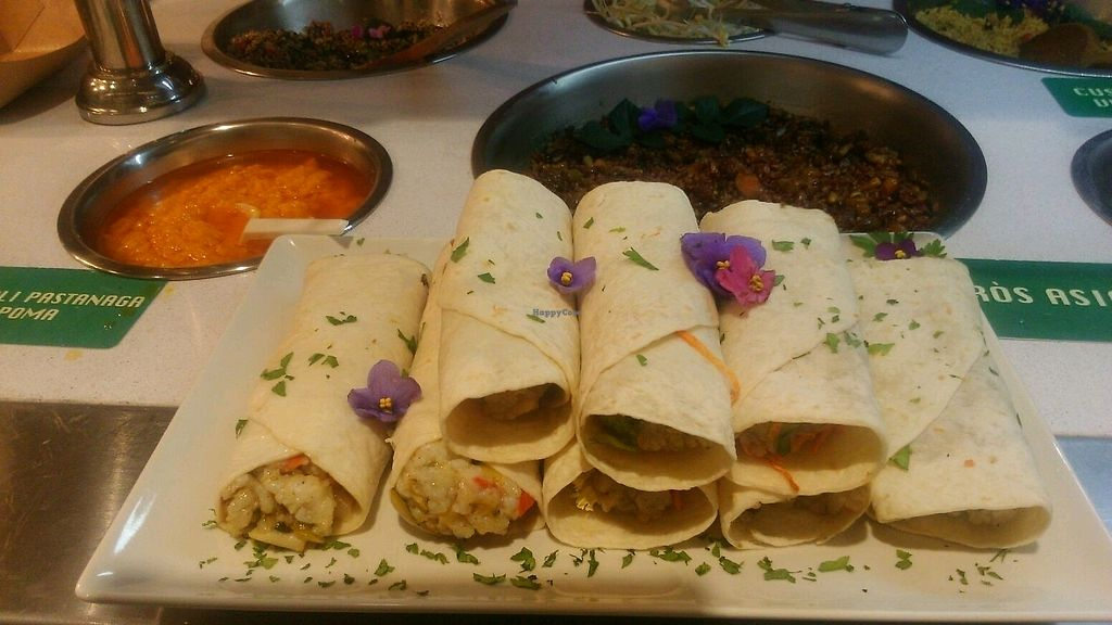 """Photo of Vega Raw Organic  by <a href=""""/members/profile/PereRodr%C3%ADguez"""">PereRodríguez</a> <br/>Basmati rice & vegetables wrap, """"burrito"""" and carrot-appel allioli sauce <br/> October 16, 2017  - <a href='/contact/abuse/image/94882/315964'>Report</a>"""