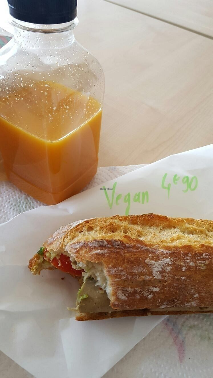 """Photo of Exofrais  by <a href=""""/members/profile/lionelofparis"""">lionelofparis</a> <br/>A yummy vegan sandwich with seitan and avocados <br/> June 27, 2017  - <a href='/contact/abuse/image/94905/274119'>Report</a>"""