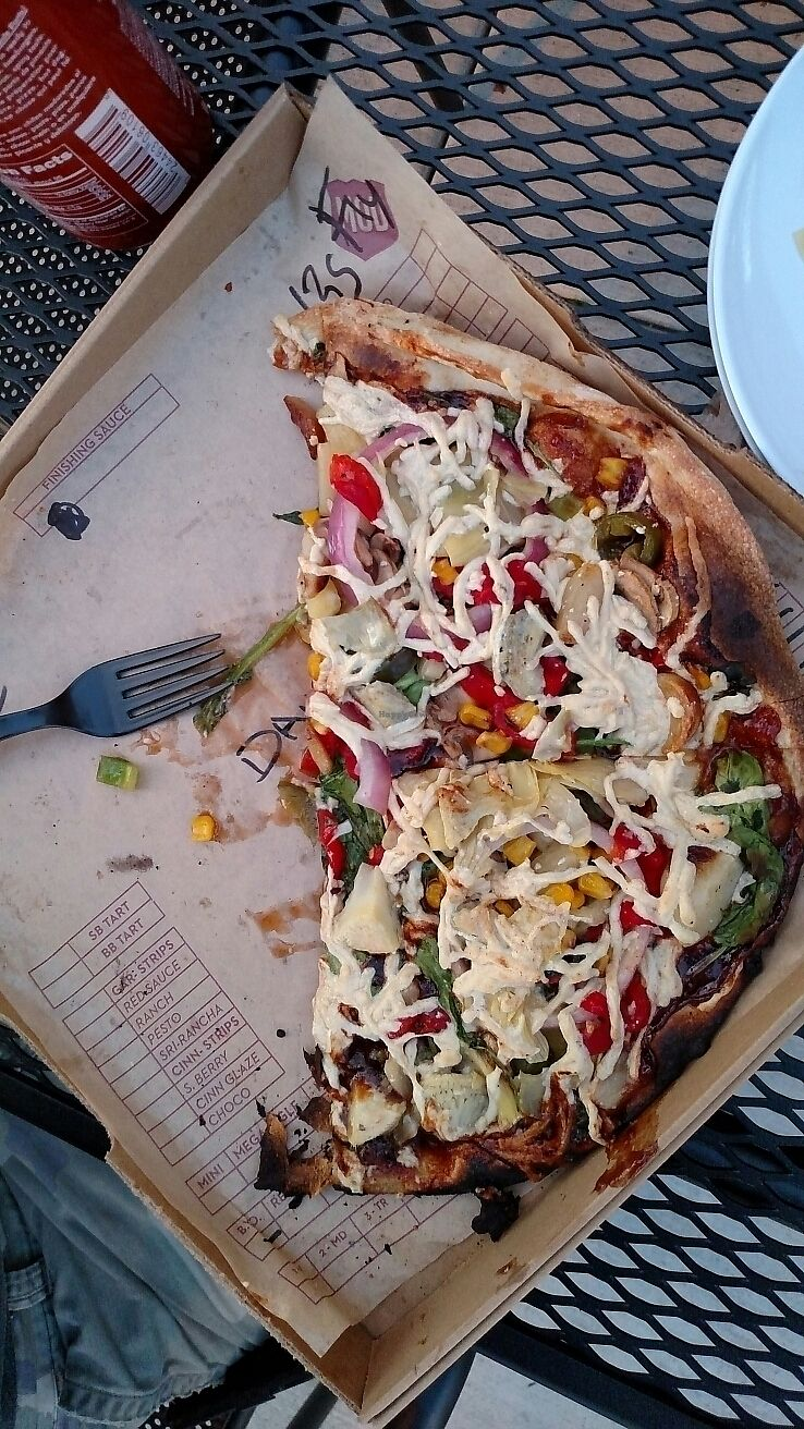 """Photo of Mod Pizza  by <a href=""""/members/profile/RosieTheVegan"""">RosieTheVegan</a> <br/>Vegan pizza! <br/> June 28, 2017  - <a href='/contact/abuse/image/94983/274506'>Report</a>"""