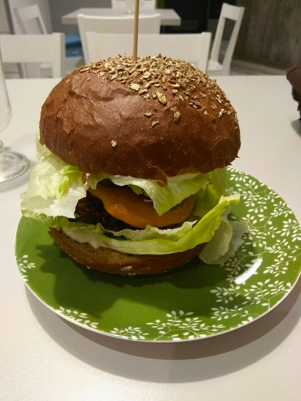 """Photo of Zielona Micha  by <a href=""""/members/profile/Rene.Zinho"""">Rene.Zinho</a> <br/>burger with a patty made of red beet  <br/> November 21, 2017  - <a href='/contact/abuse/image/94991/327854'>Report</a>"""
