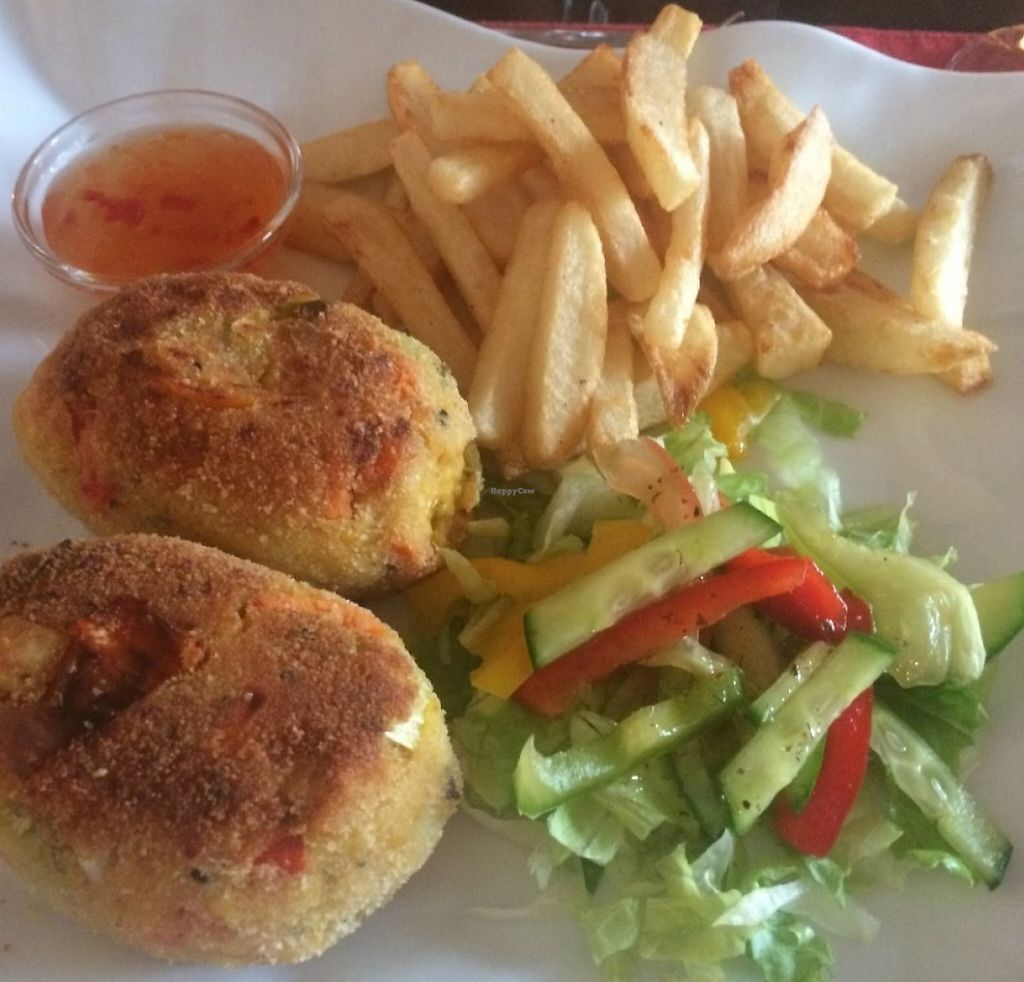 """Photo of Bozena's Bar and Restaurant  by <a href=""""/members/profile/SarahMoyes"""">SarahMoyes</a> <br/>vegan burger and chips <br/> July 17, 2016  - <a href='/contact/abuse/image/9500/193892'>Report</a>"""