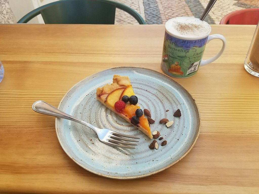 "Photo of Goldig  by <a href=""/members/profile/seedsandpeels"">seedsandpeels</a> <br/>Vegan Fruit Tart & Chai Tea with Oat Milk <br/> September 16, 2017  - <a href='/contact/abuse/image/95082/304942'>Report</a>"