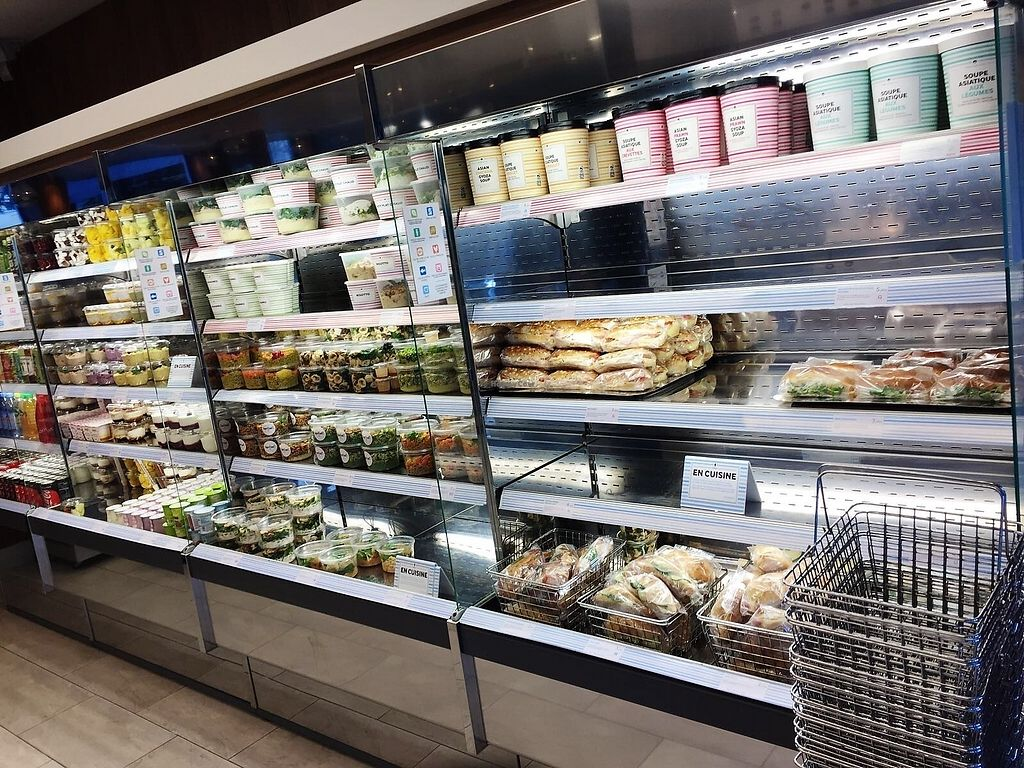 """Photo of Cojean Neuilly  by <a href=""""/members/profile/TARAMCDONALD"""">TARAMCDONALD</a> <br/>Hot and cold food - freshly prepared! To go or eat in x <br/> November 30, 2017  - <a href='/contact/abuse/image/95121/330866'>Report</a>"""