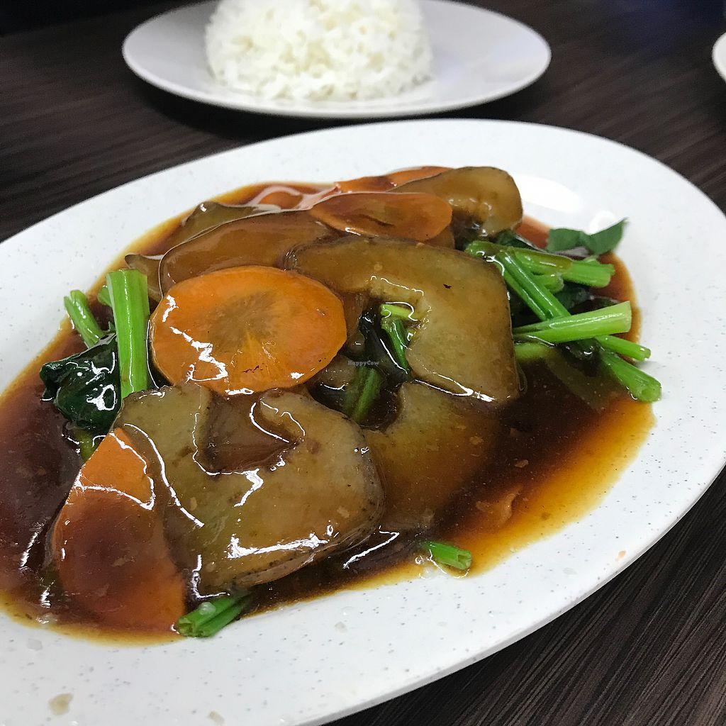 "Photo of Shu Vegetarian - Ang Mo Kio   by <a href=""/members/profile/Sweetveganneko"">Sweetveganneko</a> <br/>Veg sea cucumber <br/> March 5, 2018  - <a href='/contact/abuse/image/95161/367120'>Report</a>"