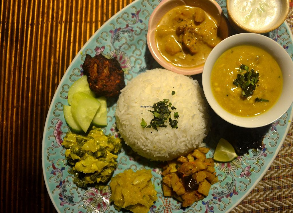 "Photo of Neepa  by <a href=""/members/profile/shazDAO"">shazDAO</a> <br/>Thali of the day.... Paanch Puran Dhaal Spinach & Cauliflower Korma Pumpkin Bortha Amra Khatta (sweet sour chutney) Shingara & Piyaju (Samosa & Lentil fritter) + All served w/ Raita, Tamarind pickle & Rice <br/> July 8, 2017  - <a href='/contact/abuse/image/95192/277731'>Report</a>"