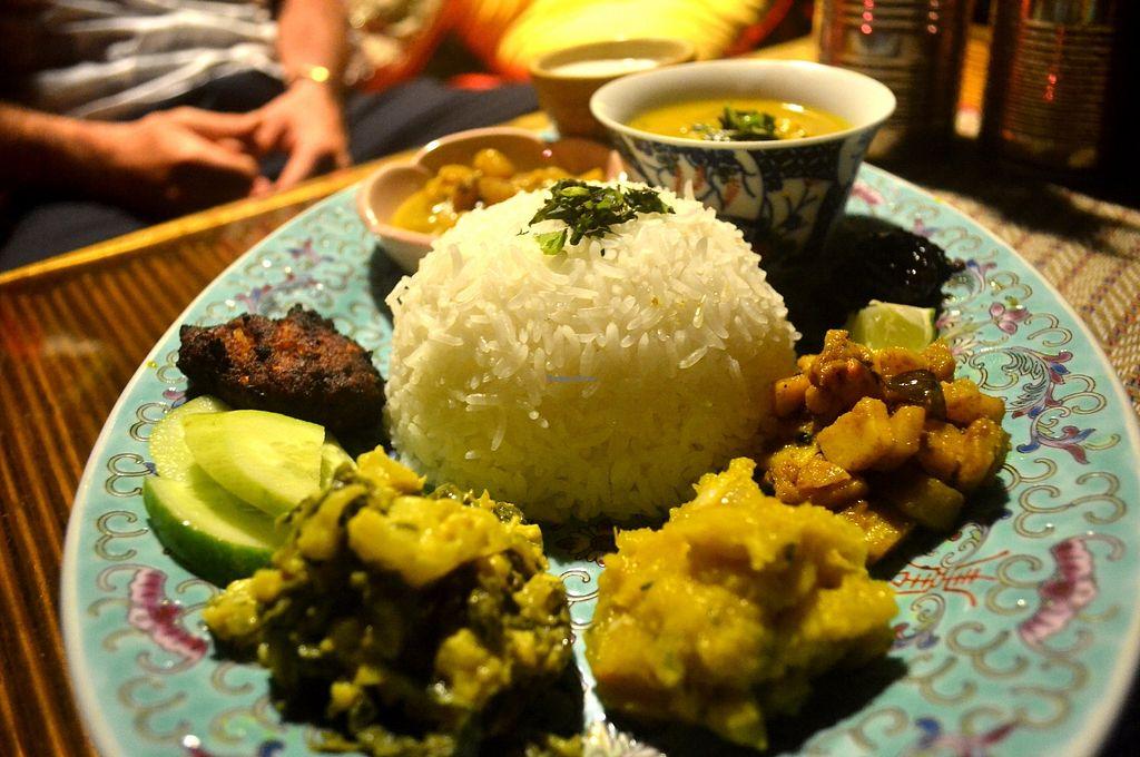 "Photo of Neepa  by <a href=""/members/profile/shazDAO"">shazDAO</a> <br/>Thali of the day.... Paanch Puran Dhaal Spinach & Cauliflower Korma Pumpkin Bortha Amra Khatta (sweet sour chutney) Shingara & Piyaju (Samosa & Lentil fritter) + All served w/ Raita, Tamarind pickle & Rice <br/> July 8, 2017  - <a href='/contact/abuse/image/95192/277732'>Report</a>"