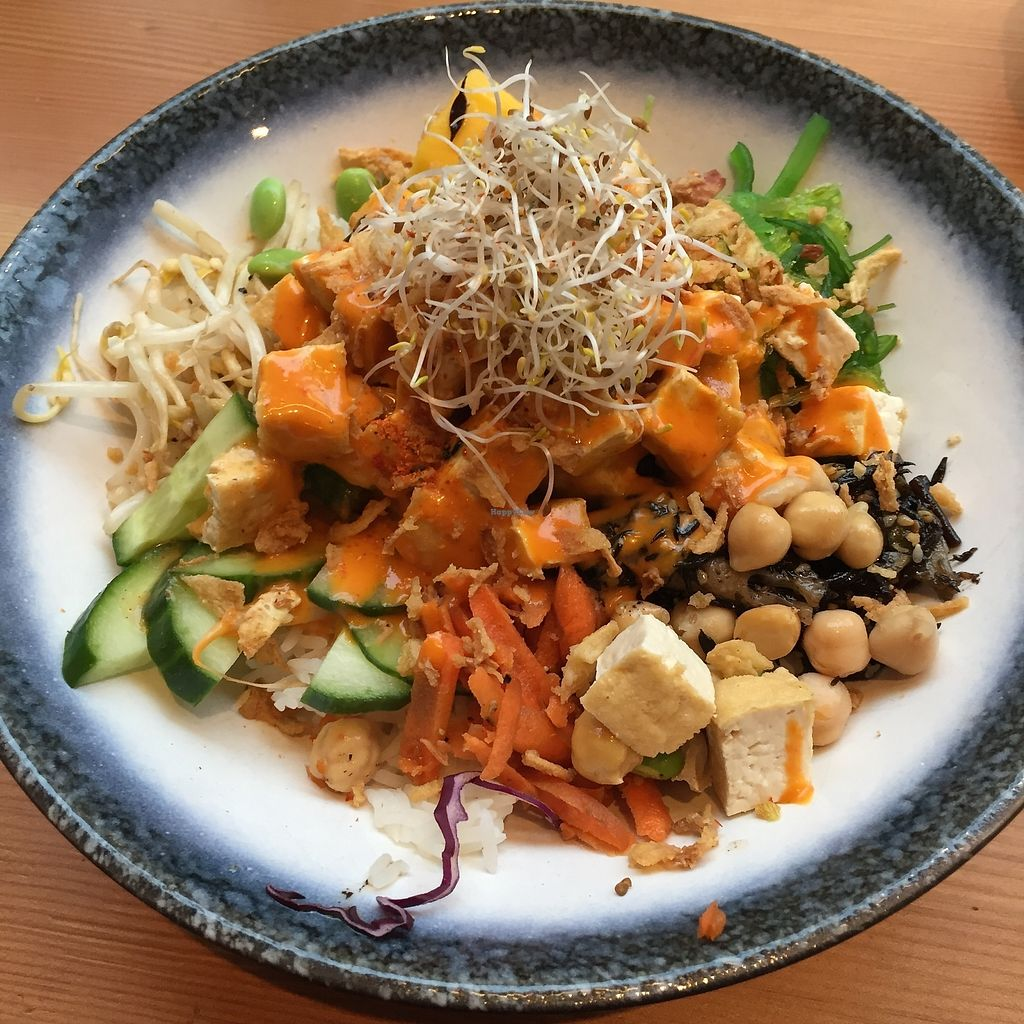 "Photo of Cantina Raw  by <a href=""/members/profile/Pons"">Pons</a> <br/>The amazing Veg Tofu-bowl! I highly recommend this!  <br/> December 23, 2017  - <a href='/contact/abuse/image/95266/338337'>Report</a>"