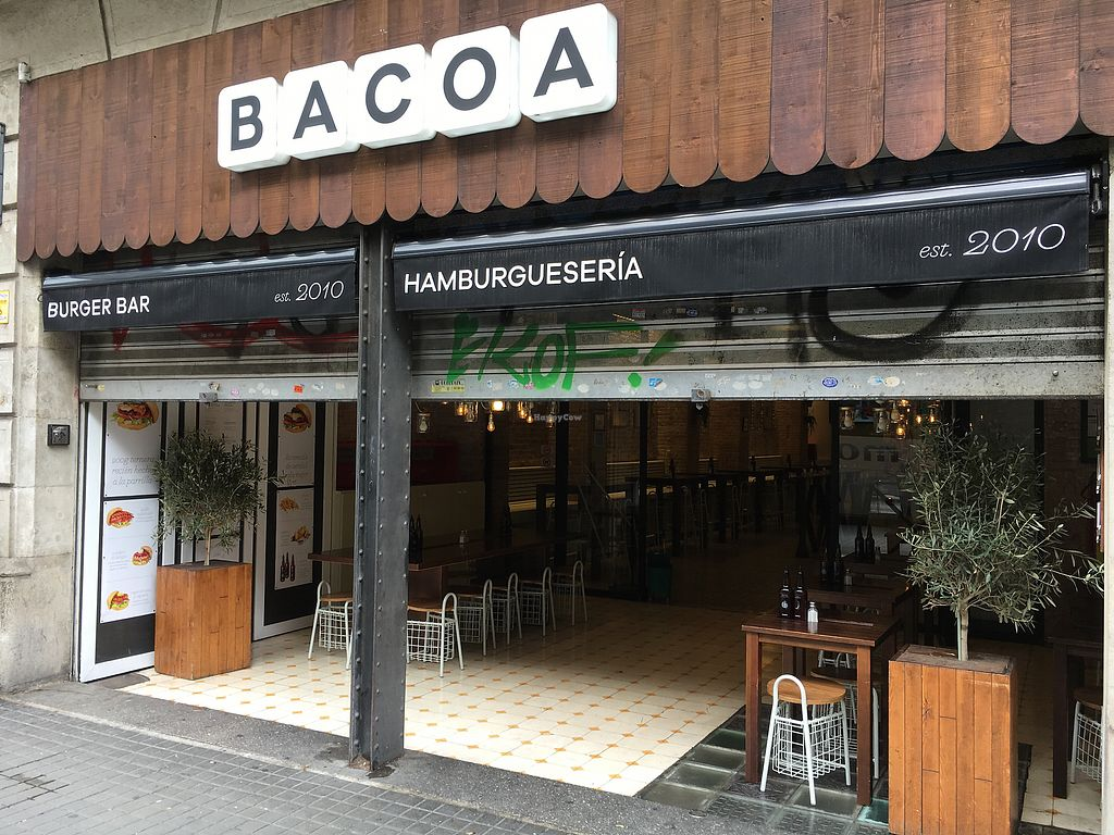 """Photo of Bacoa Burger - Universitat  by <a href=""""/members/profile/hack_man"""">hack_man</a> <br/>Outside  <br/> October 20, 2017  - <a href='/contact/abuse/image/95324/317102'>Report</a>"""