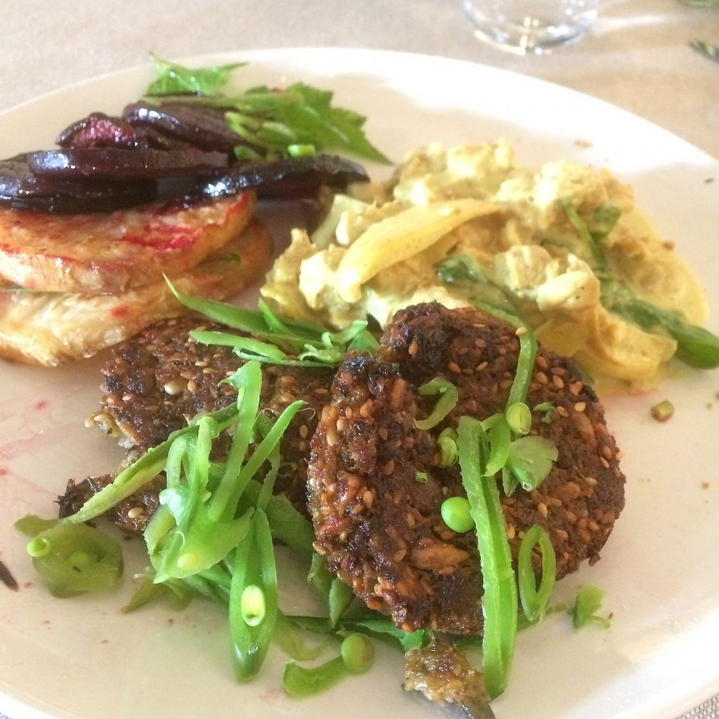 "Photo of Anita på Börringekloster  by <a href=""/members/profile/Cammiesen"">Cammiesen</a> <br/>Some of the hot vegan dishes <br/> July 21, 2017  - <a href='/contact/abuse/image/95451/282742'>Report</a>"